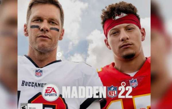 Who is the Madden NFL 22 player of the 2021 season?